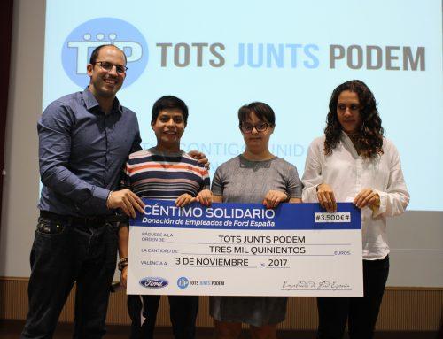 """Los empleados de Ford España, a través del """"Centimo Solidario"""" donan 3.500 euros a """"Tots Junts Podem"""" para el Programa de Preparación para la Vida Independiente."""